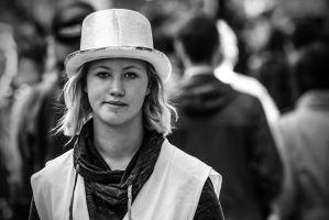 The hat and the face by attomanen