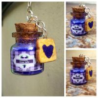 Jelly and toast keychain charm by Saloscraftshop