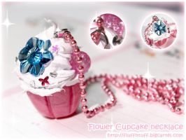 Flower Cupcake Necklace by Fluffntuff
