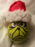 The Grinch who stole Christmas by Sputter-jinglz