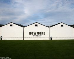 Bowmore Distillery by bnext