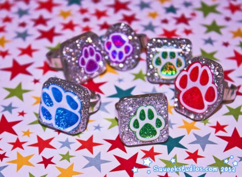 Glitter Paw Resin Jewelry and Accessories by squeekaboo