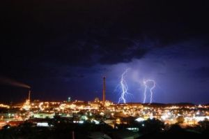 Mt. Isa Lightning by IslandWriter