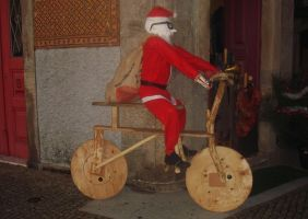 Santa Cyclist. by emecoelho