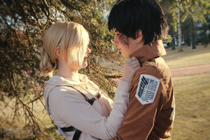 Shingeki no kyojin - Bertholdt and Annie Kiss plz by Negatable