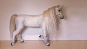 1:12th scale miniature unicorn by sugarcharmshop