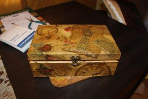 Box full of memories by Noldomirwen