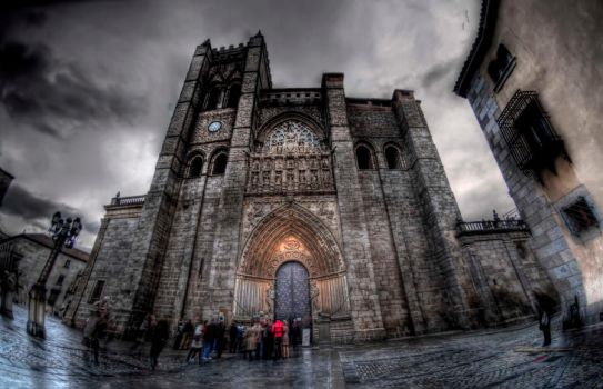 Avila Cathedral HDR by langusmaiden