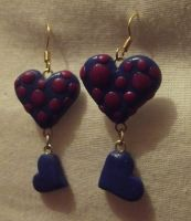 Spotted heart earrings by MeticulousBlue