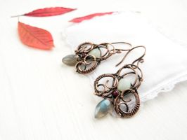 Autumn Hunting - wire earrings by UrsulaOT