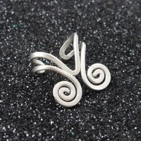 Chevron and Spirals Ear Cuff by sylva