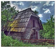 Cottage - HDR by Neshom