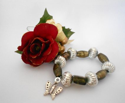 For Sale: Natural Tones by Wirejeweller