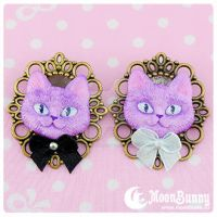 Cheshire cat Brooch by CuteMoonbunny