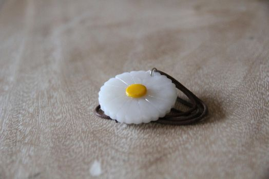 Daisy Necklace by tourmalinedesign