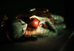 poison apple by psypence