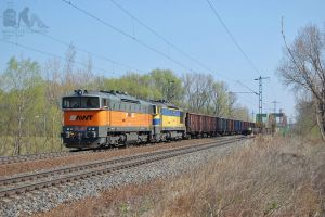 753 706-1 and 704-6 with freight near Gyor on 2012 by morpheus880223