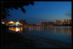 Lovers by Kallang river by ZeroDivine