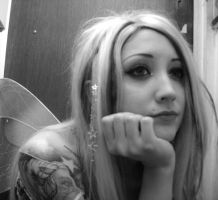 Elvish Fairy bored by darcey-dollface