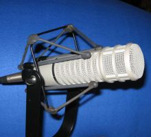 ELECTRO VOICE RE20 MICROPHONE by uncledave