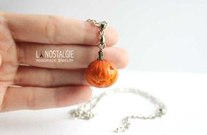 Spooky Halloween Pumpkin Jack o lantern necklace by LaNostalgie05
