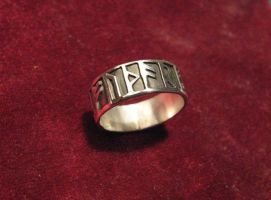 Futhark Ring 3 by Aranglinn