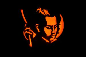 Sweeney Todd carving by The-Apiphobic-Artist