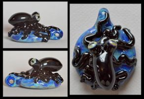 Octopus Pendant, Glass by cold-in-the-north