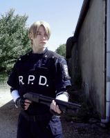 Leon S. Kennedy cosplay : This is war by Arwander