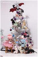 Dolly Christmas tree by Sarqq