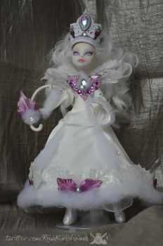 Snow White Monster High Ooak 02 by RinaKirishima