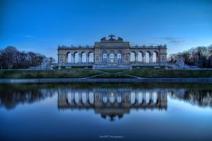 Gloriette by MementoX