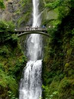 Multnomah Falls by bronze-dragonrider