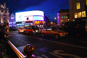 Piccadilly Circus at Night by Ana-D