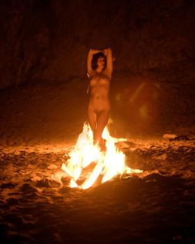 The Wind from a Burning Woman by alberich