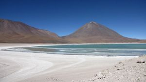 Laguna verde by ibeliveicanfly