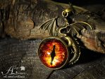 eye of the Smaug - hand-painted pendant by Laurefin-Estelinion