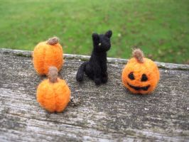 Miniature Cat and Pumpkins by Elfs-Toyshop