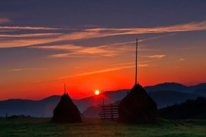 Bukovina Sunrise by lica20