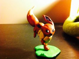 Eevee sculpture by Pixi2loves