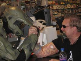 Master Chief Arm Wrestle by AceLK