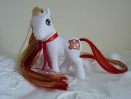 Custom my little pony ruby celtic knot by thebluemaiden