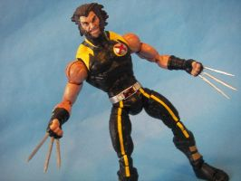 Ultimate Wolverine Marvel Legends by cusT0M
