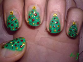 Simple Christmas Tree Nail Design by AnyRainbow