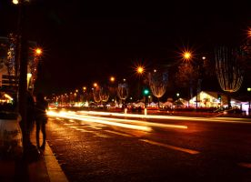 Champs-Elysees by night by Blackfilm