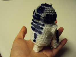 Commission - Amigurumi R2D2 for Mandi by altearithe