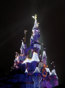 Disneyland Paris by night by Florine