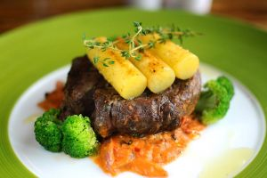 Beef Tenderloin Steak by aperture24