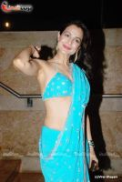 hot amisha patel 24xentertainment by 24xentertainment
