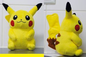 Female Pikachu plush by Gallade007